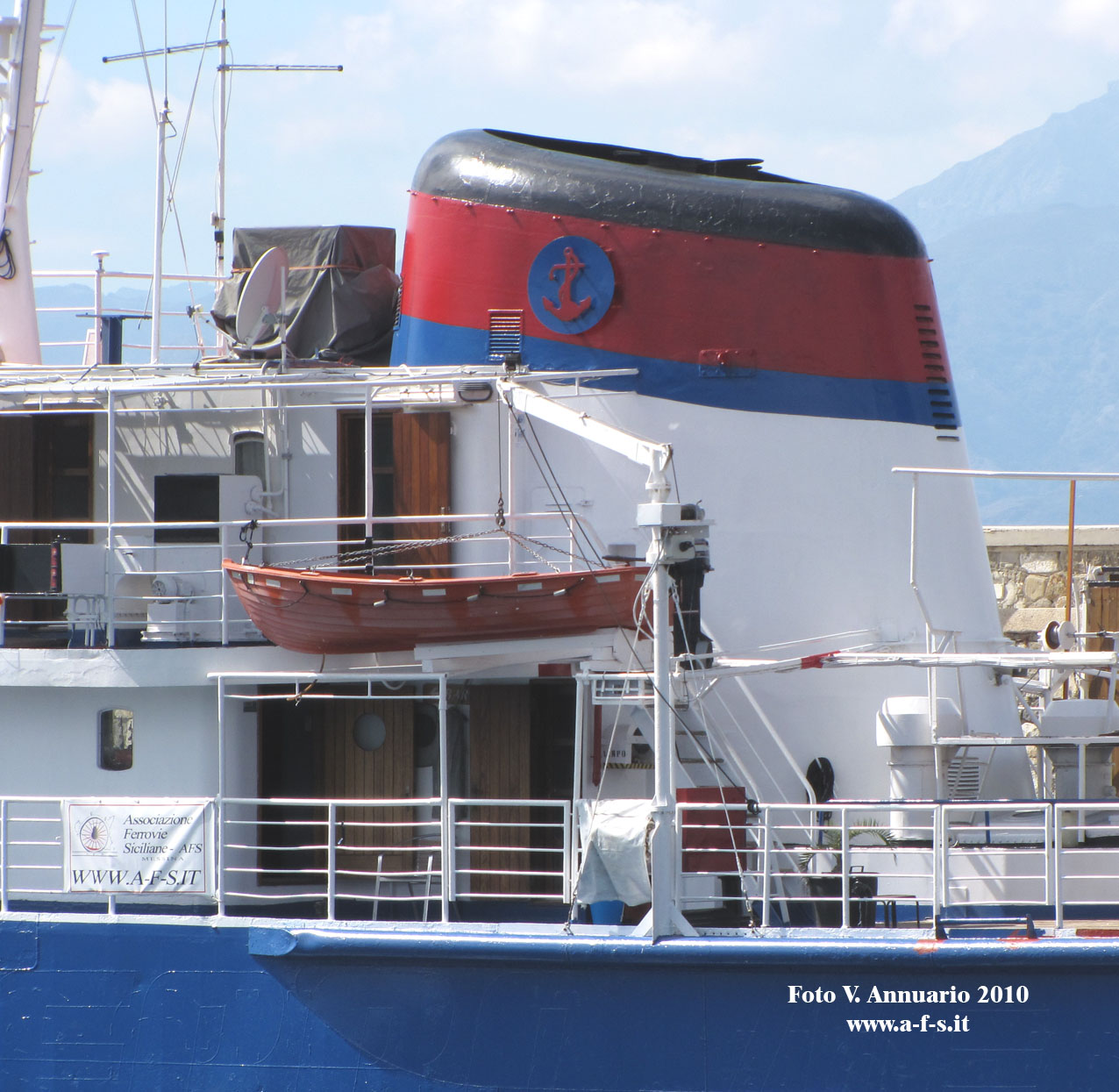 "21 agosto 2010 - Visita nave ""EDRA""  IMG_5119a"