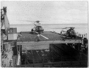 Helicopters at sea Tn_Foudre%20class%20detail%20helicopter%20desk%20wb87%2092041
