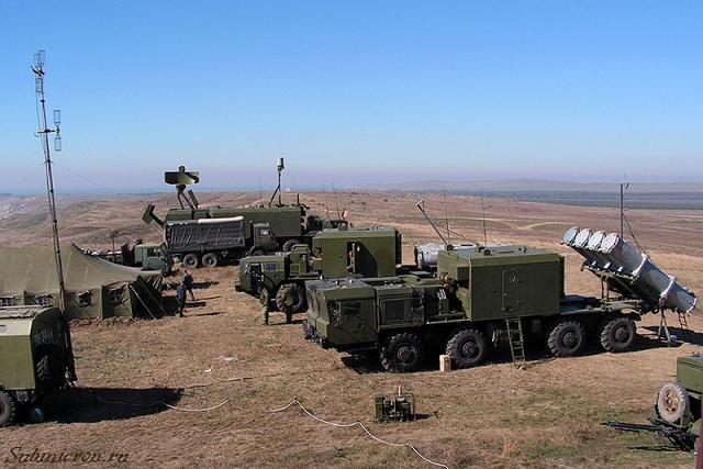 Comando Conjunto de Defensa de Costas - Página 6 BAL-E_coastal_defene_system_Kh-35_antiship_missile