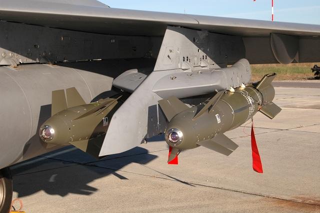 Missile Air-Sol & de Croisiere (Documentation) Sagem_AASM_Hammer_Laser_Rafale