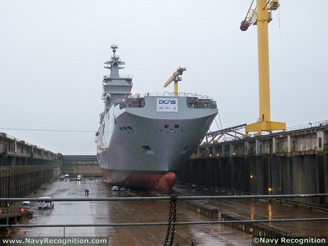 Universal landing ships for Russian Navy - Page 2 Vladivostok_LHD_BPC_Russia_Navy_DCNS_STX_013