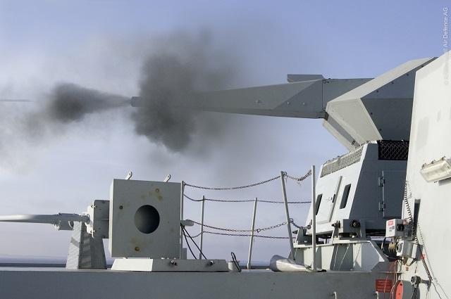 Systèmes SAM&ABM navals ( Documentation ) Millenium_Naval_Gun_35mm_Rheinmetall