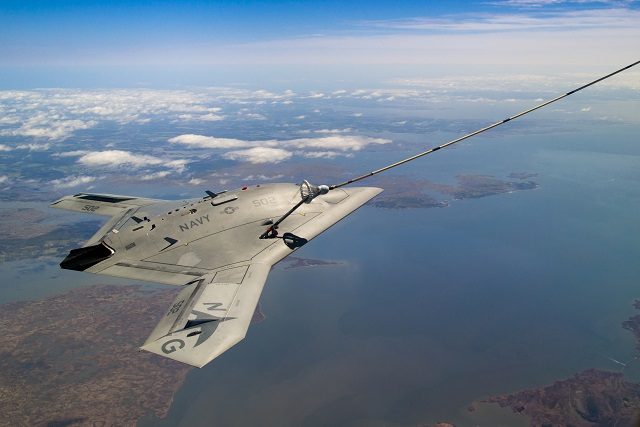 US Navy and Naval Aircraft: News - Page 4 X-47B_refueling_US_Navy_NGC_2