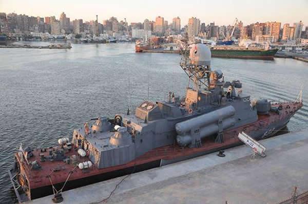 """بالصور.. شاهد وتعرف على سفينة """"إر – 32"""" الروسية الحاملة لصواريخ """"موسكيت"""" التى حصلت عليها مصر   - صفحة 2 P-32_Tarantul_class_Missile_Corvette_Project_12421_Molniya_Egypt_1"""