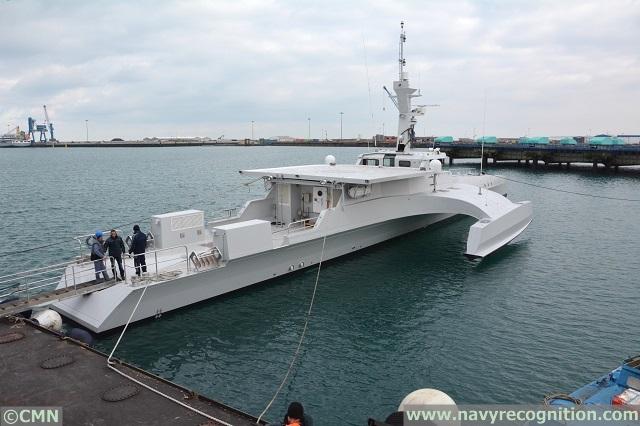 Armed Forces for the Defence of Mozambique / Forças Armadas de Defesa de Moçambique ( FADM ) - Page 2 CMN_OCEAN_EAGLE_43_Trimanran_Patrol_Vessel%20_Navy_Mozambique_2