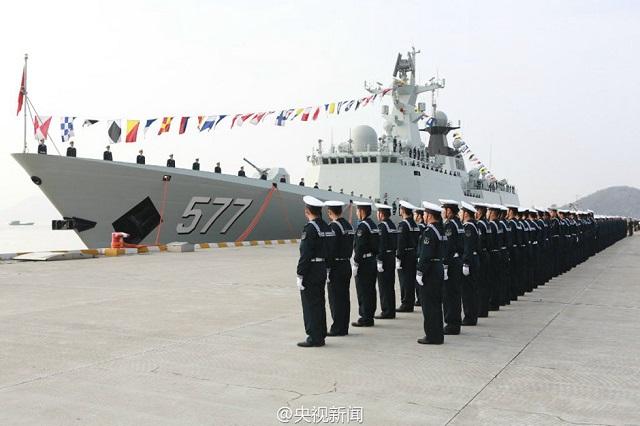 2015...ماذا حدث للبحرية الصينية؟ Type_054A_Frigate_FFG_577_Huanggang_PLAN_CHina_Navy_1