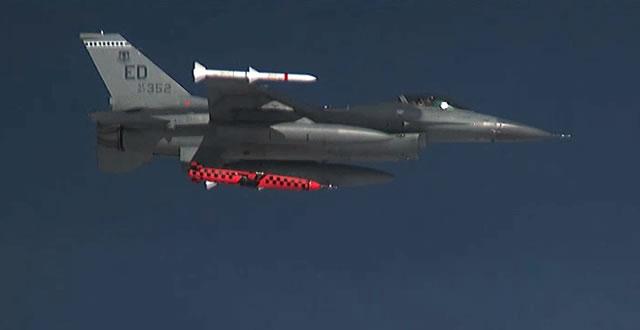 Missile Air-Sol & de Croisiere (Documentation) - Page 2 JSM_Kongsberg_F-16