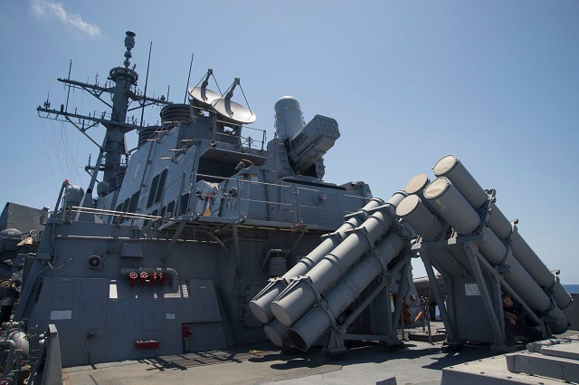 منظومة SeaRAM تقوم بصد صاروخ مضاد لسفن بنجاح SeaRAM_USS_Carney_US_Navy_1
