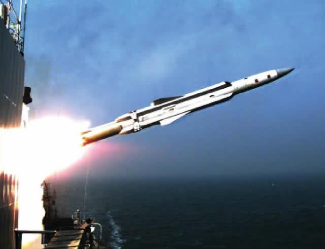الحرب البحريّة والمواجهة العالميّة القادمة  YJ-12A_anti-ship_missile_launch_china