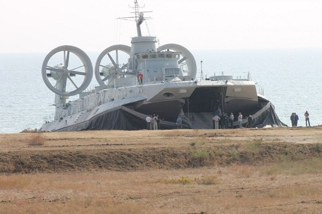 Zubr-class LCAC Chinese_Navy_LCAC_Zubr_class_Project%201232.2_PLAN_ukraine_builders_trial_1