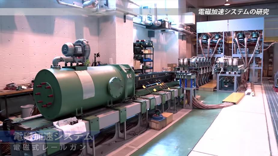 الصناعة العسكرية اليابانية,,,ماذا بعد؟! - صفحة 4 Japans_ATLA_Releases_Footage_of_Rail_Gun_Prototype