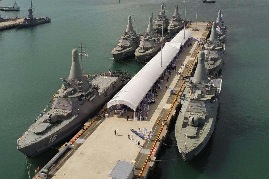 Forces armées de Singapour/Singapore Armed Forces (SAF) - Page 13 Singapore_Navy_Commissions_Final_Three_Littoral_Mission_Vessels_925_001
