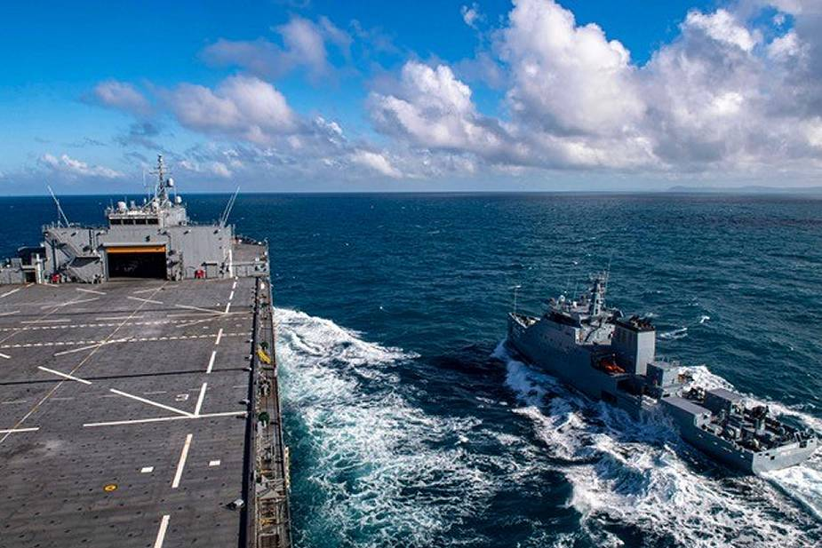Armée Tunisienne / Tunisian Armed Forces / القوات المسلحة التونسية - Page 23 Joint_naval_exercise_for_US_and_Tunisian_navies_in_the_Mediterranean_Sea_925_001