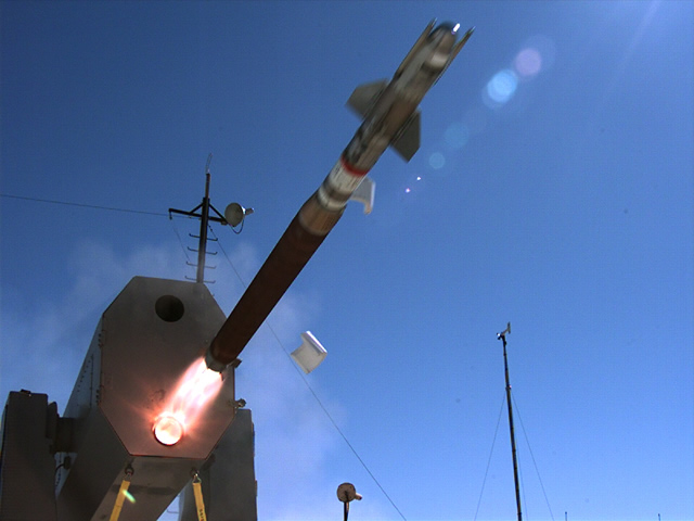 صواريخ RIM-116C Block 2 لمصر Raytheon_RAM_Block_2_test_firing_Euronaval_2012_news