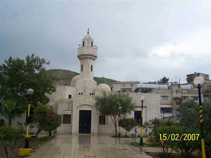 مسجد ومقام الصحابي عامر بن أبي وقاص - الأردن  104888500
