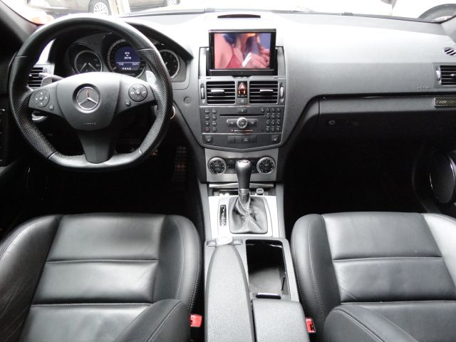 W204 C63 AMG Touring 2009 - R$ 170.000,00 A1493564