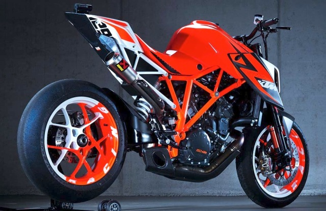 KTM 1290 Super Duke R Prototype KTM1290SuperDukeR2
