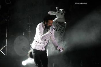 FOTO - RE MATTO TOUR Concerto_mengoni12_alta_definizione_201005191010634_1z4b54rsqlunzuq5z5ytb48bh