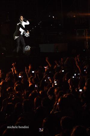 FOTO - RE MATTO TOUR Concerto_mengoni1_alta_definizione_201005191010618_e8dl7ctmm9c4gd4tplhd8y1s8