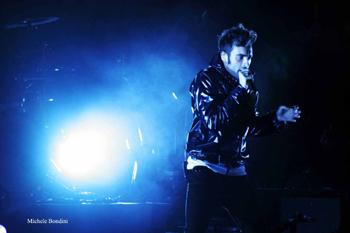 FOTO - RE MATTO TOUR Concerto_mengoni9_alta_definizione_201005191010629_gw7p9qtwpt0vogghkr0k3onfb