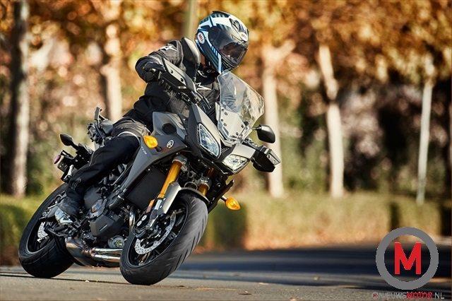 "Yamaha ""tdm"" 2015 !! 2015-Yamaha-FJ09_action_8"