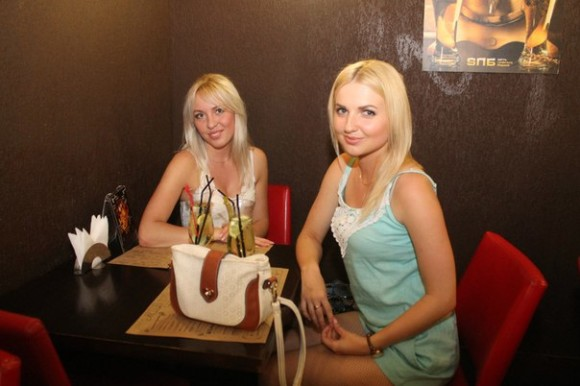 SAINT PETERSBURG: NIGHTLIFE AND CLUBS Vita-notturna-San-Pietroburgo-Bar-SPB-580x386