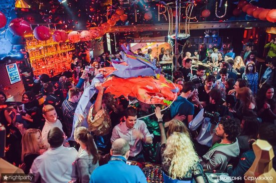 SAINT PETERSBURG: NIGHTLIFE AND CLUBS Vita-notturna-San-Pietroburgo-Circus-Club