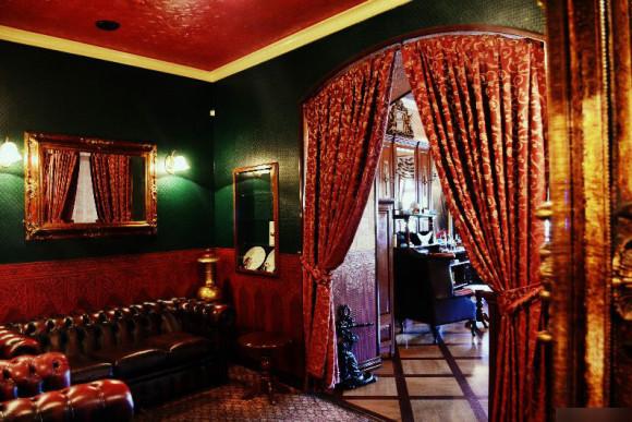 SAINT PETERSBURG: NIGHTLIFE AND CLUBS Vita-notturna-San-Pietroburgo-Dickens-Pub-and-Restaurant-580x387