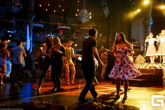 SAINT PETERSBURG: NIGHTLIFE AND CLUBS Vita-notturna-San-Pietroburgo-Jagger-Club-580x386