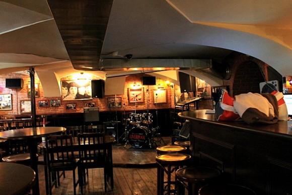SAINT PETERSBURG: NIGHTLIFE AND CLUBS Vita-notturna-San-Pietroburgo-Liverpool-Bar-580x387