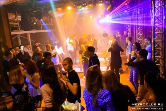 SAINT PETERSBURG: NIGHTLIFE AND CLUBS Vita-notturna-San-Pietroburgo-Metro-Club-580x387