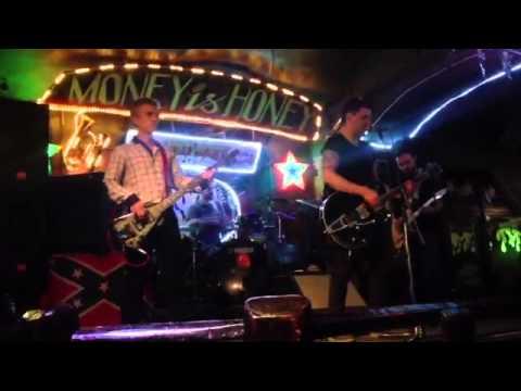 SAINT PETERSBURG: NIGHTLIFE AND CLUBS Vita-notturna-San-Pietroburgo-Money-Honey