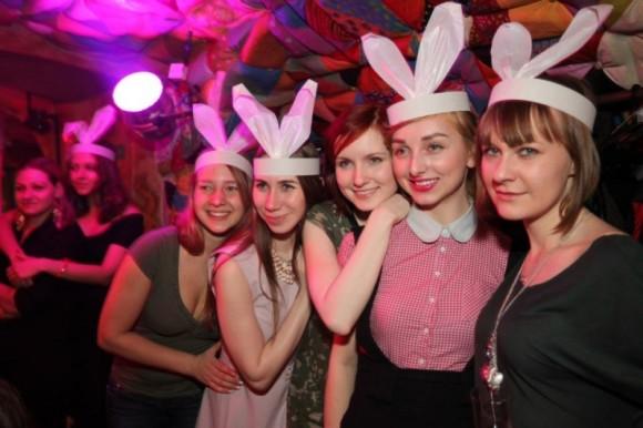 SAINT PETERSBURG: NIGHTLIFE AND CLUBS Vita-notturna-San-Pietroburgo-Purga-Club-580x386