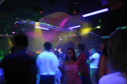 SAINT PETERSBURG: NIGHTLIFE AND CLUBS Vita-notturna-San-Pietroburgo-Revolution-Club