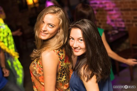 SAINT PETERSBURG: NIGHTLIFE AND CLUBS Vita-notturna-San-Pietroburgo-Rossis-Club-580x387