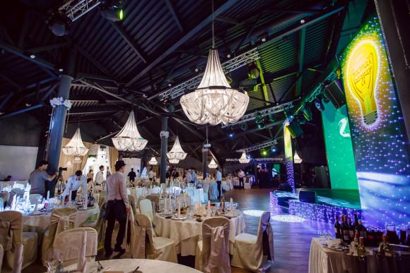 SAINT PETERSBURG: NIGHTLIFE AND CLUBS Vita-notturna-San-Pietroburgo-Royal-Beach-Club-580x387