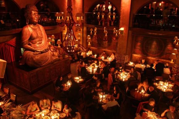 SAINT PETERSBURG: NIGHTLIFE AND CLUBS Vita-notturna-San-Pietroburgo-eleganza-Buddha-Bar-580x387