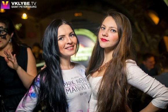 SAINT PETERSBURG: NIGHTLIFE AND CLUBS Vita-notturna-San-Pietroburgo-ragazze-Metro-Club-580x387