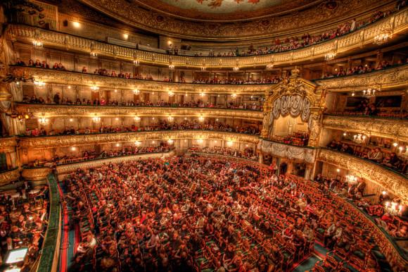 SAINT PETERSBURG: NIGHTLIFE AND CLUBS Vita-notturna-San-Pietroburgo-teatro-Mariinsky-580x386