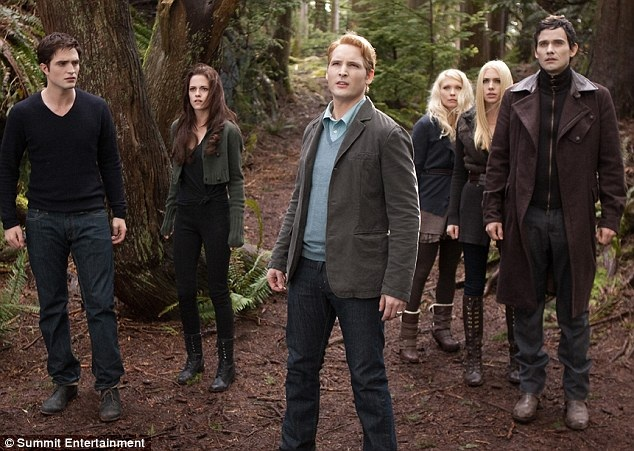 Breaking Dawn - part 2 (Twilight 4) 57523_s