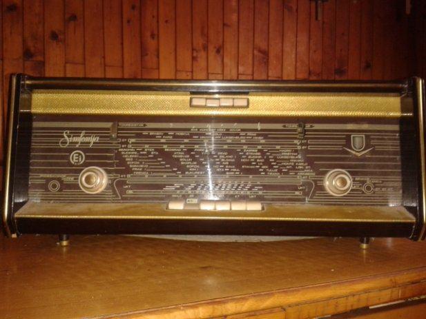 Ljubitelji dobrog zvuka Stari-radio-riz-simfonija-slika-23415311