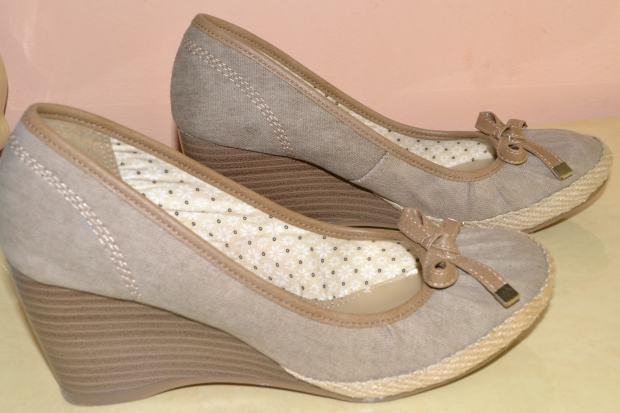 Što ste zadnje kupili od odjeće/obuće (SAMO SLIKE) - Page 3 Proljetne-bez-cipele-punu-petu-br-37-slika-22005277