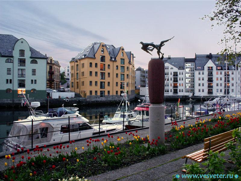Роскошные пейзажи Норвегии - Страница 39 Aalesund_hvan