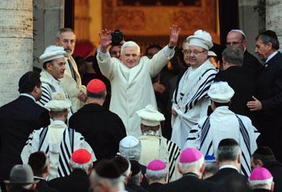 Benoît XVI à la synagogue de Rome Image001