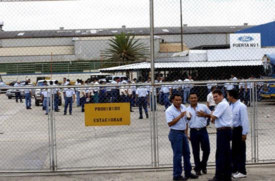 Venezuela crisis economica - Página 23 Empleados-de-la-Ford-Motors-de-Venezuela-declaran-cierre-de-la-empresa