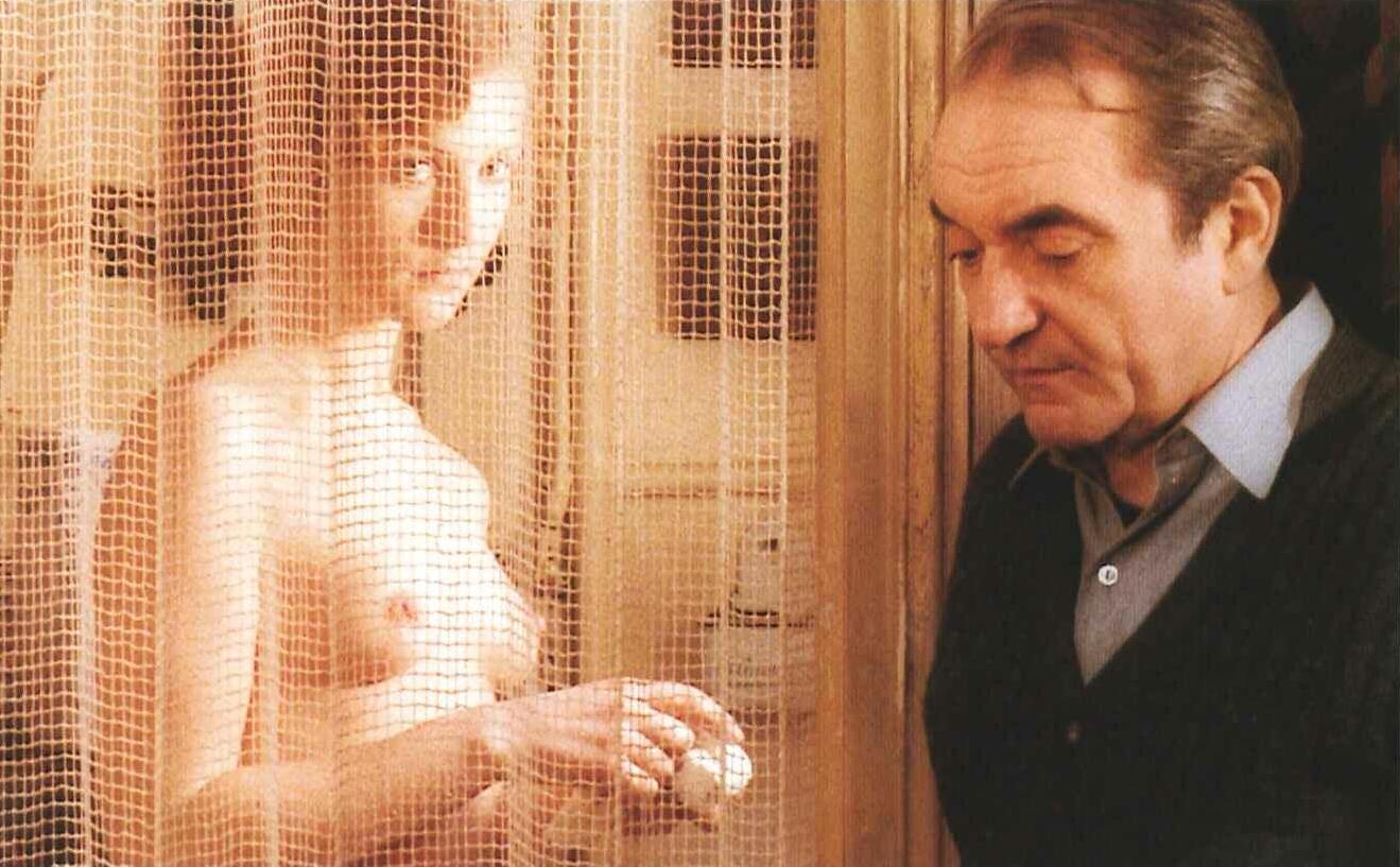 Izabel Iper (Isabelle Huppert) Violette-noziere_80793_10029