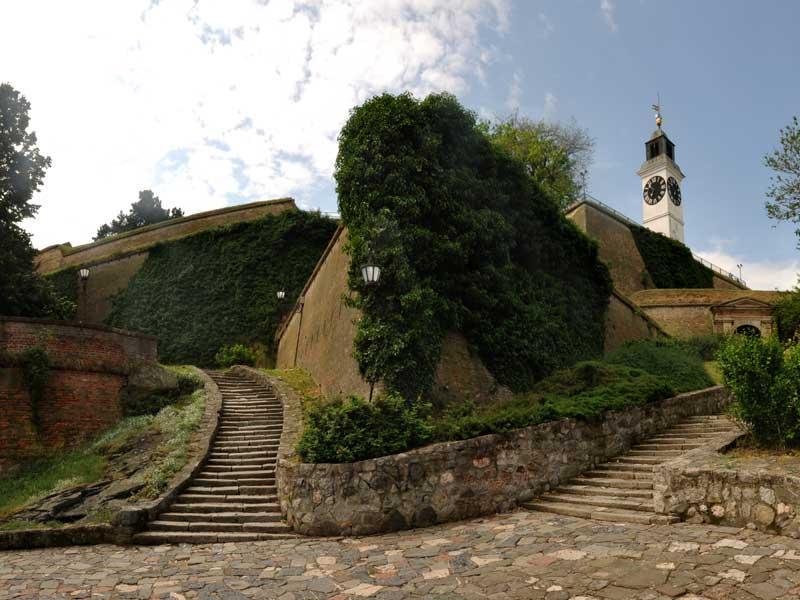 Virtualni pogled na ... Petrovaradinska-tvrdjava-3