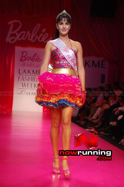 Katrina Kaif Barbie doll Ramp Walk at 2009 Lakme Fashion Week DSC_0110