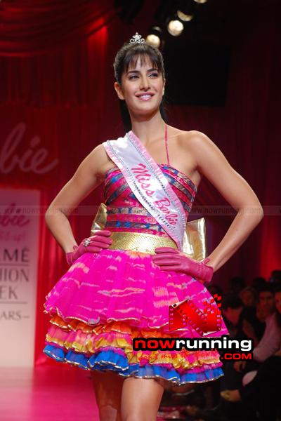 Katrina Kaif Barbie doll Ramp Walk at 2009 Lakme Fashion Week DSC_0124