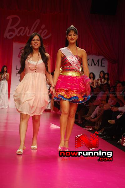 Katrina Kaif Barbie doll Ramp Walk at 2009 Lakme Fashion Week - صفحة 2 DSC_0154